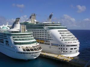 cruise-ships-416933_960_720